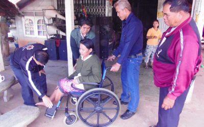 มอบวัสดุ อุปกรณ์ ให้กับผู้พิการและทุพพล